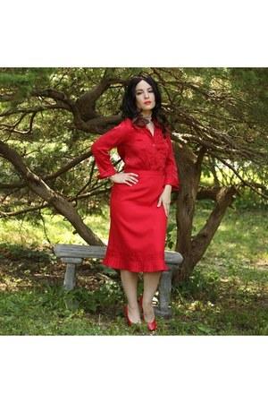 red blouse blouse - red skirt skirt