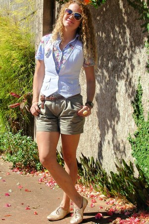 dark khaki Zara shorts - sky blue Vicio blouse - gold metalic Renner sneakers