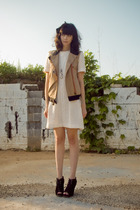 white vintage dress - black Dolce Vita shoes - beige Valentine Gauthier vest