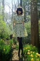 brown vintage belt - black vintage shoes - yellow vintage dress