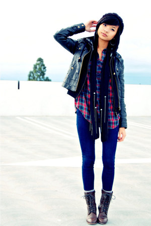 dark brown leather boots - navy skinny jeans - red plaid shirt