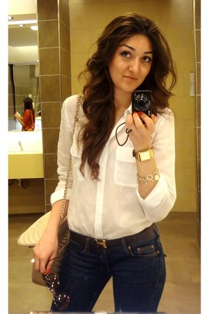 gold Tiffany ring - navy skinny jeans Mango jeans - eggshell Chanel bag