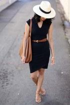 leather tote Cuyana bag - cocoon Helmut dress - heddie loeffler randall sandals