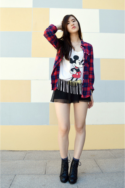 ivory H&M top - black zipia boots - red H&M shirt - black H&M shorts