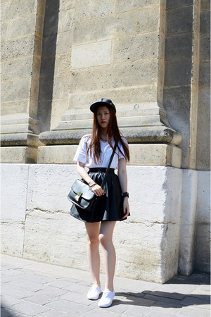 white H&M t-shirt - black asos skirt