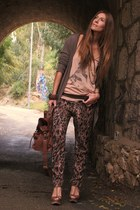 tan hm shirt - brown blanco bag - dark khaki sfera cardigan - brown sfera heels