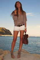 dark brown BLANCO bag - off white Stradivarius shorts - brown Sfera sandals - br