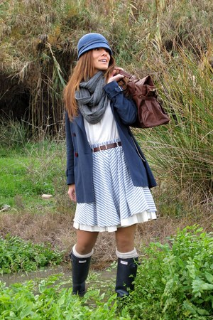 navy hunter boots - blue coat - dark brown blanco bag - sky blue zara old skirt