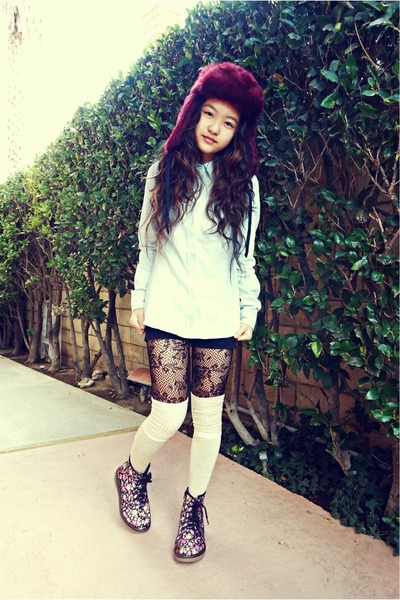maroon faux fur H&M hat - periwinkle denim H&M shirt - black lace tights