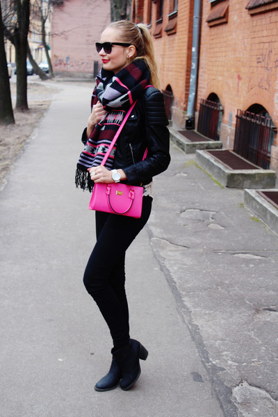hot pink H&M scarf - black H&M boots - black H&M jacket - hot pink ARAFEEL bag