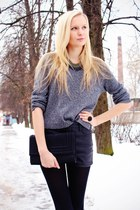 gray H&M sweater - black H&M bag - black Bik Bok shorts