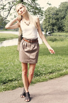 light brown Moskito skirt - white Tally Weijl top - black Deichmann sandals