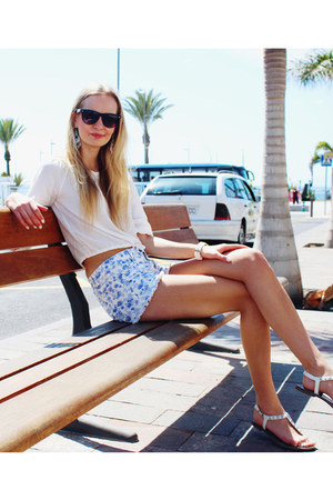 white Deichmann sandals - blue H&M shorts - black clockhouse sunglasses