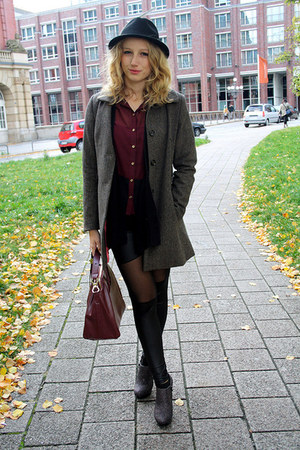 black H&M hat - dark gray Deichmann boots - gray H&M coat - black OASAP leggings