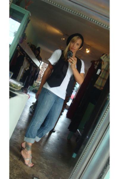 BB Dakota vest - Level 99 Frankie Bootcut jeans - Two Lips shoes