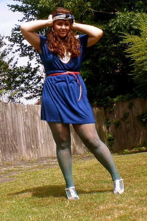 blue dress - green tights - silver shoes - orange belt - vintage scarf