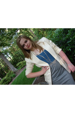 cream blazer - cream american eagle outfitters necklace - blue Aeropostale top -