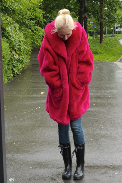 hot pink vintage coat coat - black Marc Jacobs boots