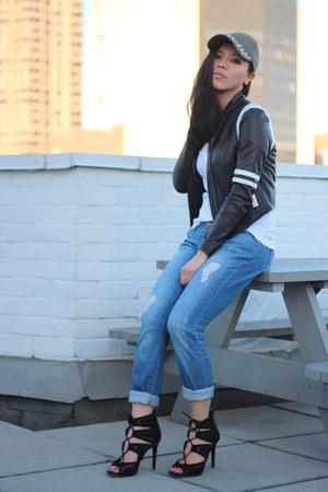 black strappy black Zara sandals - blue Current Elliott jeans
