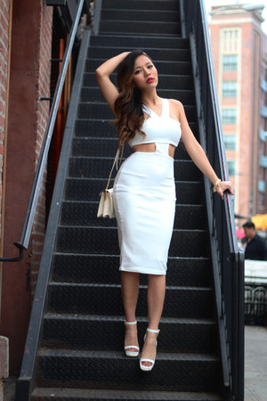 white cropped bodycon Missguided dress - eggshell buckle Ralph Lauren bag