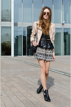 tan H&M jacket - black Zara top