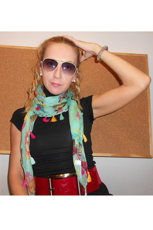 lime green Zara scarf - chartreuse Ray Ban sunglasses - red Mango belt