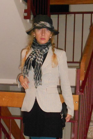 black New Yorker hat - black Zara dress - off white Legend World Wilde jacket