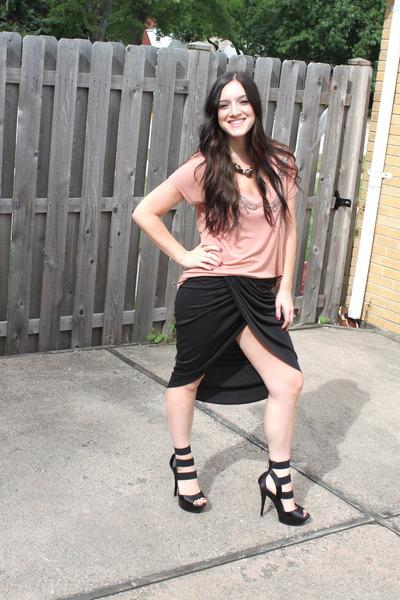 black threadsence skirt - salmon Victorias Secretas Secret shirt