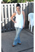 yellow Pree Brulee necklace - light blue American Eagle jeans
