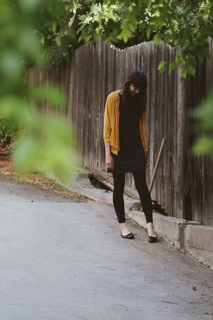 gold cardigan - gray dress - black leggings - black shoes