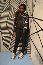 flower print Zara jacket - see through GINA TRICOT shirt - Deichmann sneakers