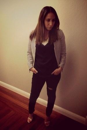 Forever 21 blouse - Steve Madden shoes - H&M jeans - H&M blazer