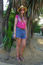H&M hat - Wrangler shorts - Bimba & Lola sandals - Primark t-shirt
