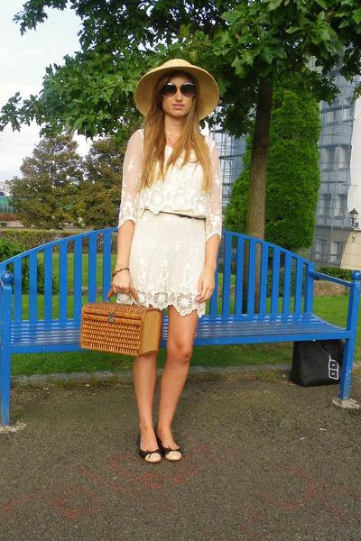 Zara dress - Bimba & Lola hat - Marc by Marc Jacobs sunglasses - Uterque flats