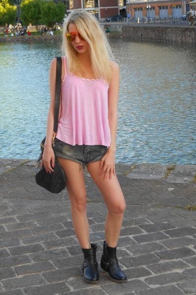 pink Bershka top - black Ikks boots - black Givenchy bag