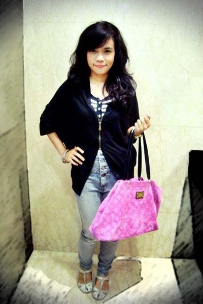 Bat wing zipper blouse - Stripe t-shirt - Grey High Waist jeans - bangles access