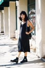 Black-h-m-trend-dress-juju-sandals