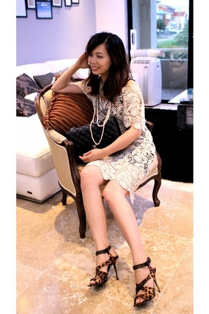 brown leopard print Guess sandals - cream soul dress - black Chanel bag