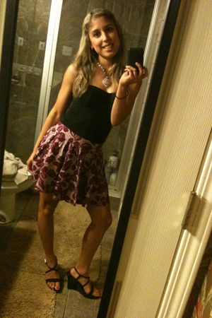 black forever 2121 top - purple Forever 21 skirt - black Guess shoes - pink Trin