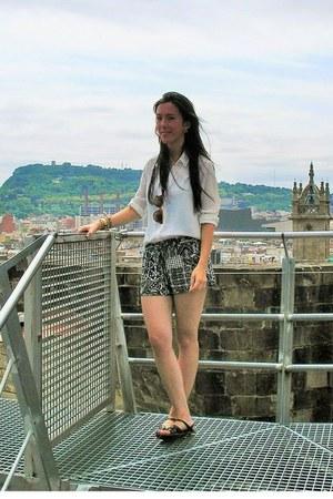 white Primark shirt - black new look shorts
