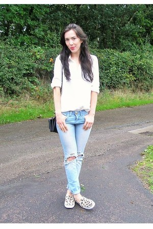 sky blue Primark jeans - white Primark shirt - black Urban Outfitters bag