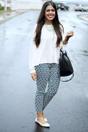 navy pattern Forever 21 pants - black Zara bag - off white Forever 21 blouse