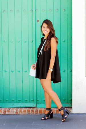 black brandy melville dress - light blue structured Zara bag