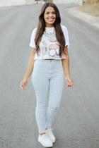 light blue high rise Bullhead pants - white graphic tee Zara top