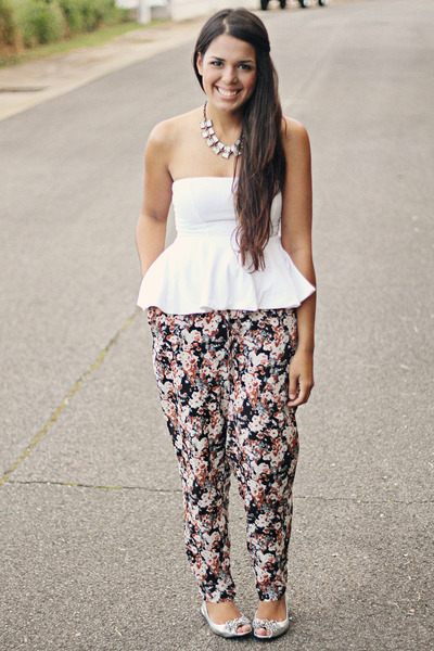 charcoal gray floral print Forever 21 pants - white peplum top Zara top