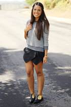 black envelope Sheinside shorts - gray Zara sweater