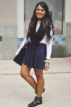 navy tartan Zara skirt - black cut out Black Poppy boots - white Zara top
