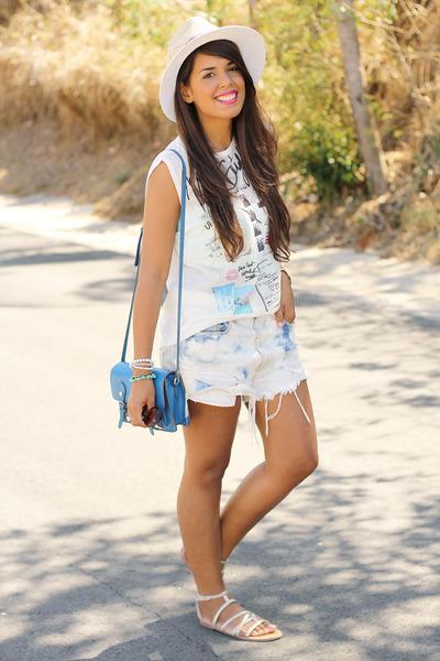 white graphic Zara t-shirt - white fedora Zara hat - blue Steve Madden bag