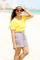 Mango shorts - Ray Ban sunglasses - Zara top - Swatch watch