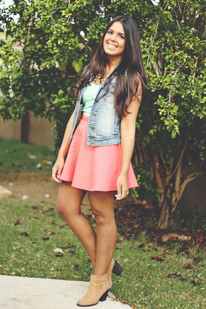 salmon skater Forever 21 skirt - blue denim Forever 21 vest